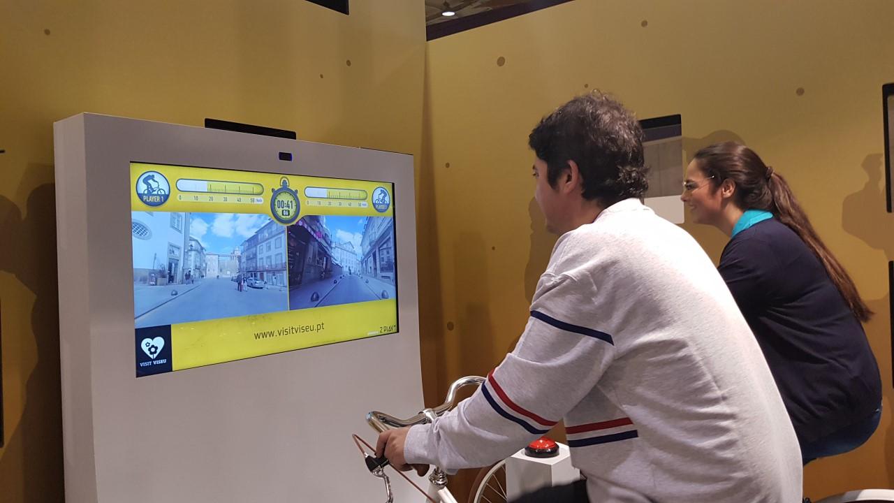 Bicicletas viagem virtual por percurso real